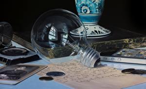 Обои Крупным планом Лампочка Jason de Graaf Города картинки