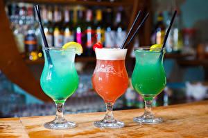 Обои для рабочего стола Коктейль Алкогольные напитки Бокалы Три Еда
