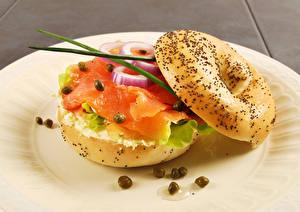 Картинки Быстрое питание Сэндвич Булочки Рыба Овощи Еда