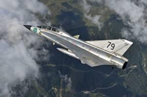 Фотографии Самолеты Истребители Летящий Saab 35 Draken Swedish Air Force Авиация