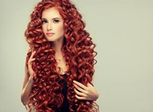 Картинка Пальцы Рыжие Волосы Взгляд Красивые девушка