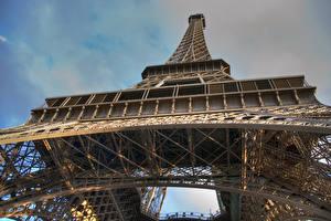 Обои Франция Париж Эйфелева башня Вид снизу Города картинки