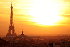 Обои Франция Рассветы и закаты Вечер Эйфелева башня Париже Города