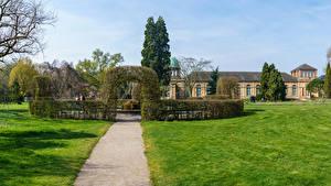 Фотографии Германия Парки Дома Дизайн Кусты Газон Botanischer Garten Karlsruhe Природа