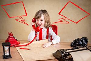 Обои Песочные часы Мальчики Телефоном Крик ребёнок