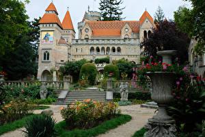 Фотография Венгрия Замки Парки Скульптура Лестницы Bory Castle