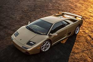 Фотографии Lamborghini Золотой Diablo
