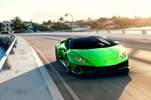 Картинки Ламборгини Спереди Едущая Зеленые Spyder Evo Huracan машина