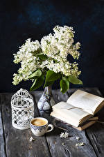 Картинки Сирень Натюрморт Кофе Капучино Доски Вазе Книга Чашке цветок Еда