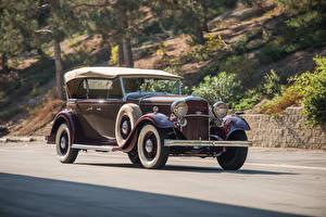 Картинки Lincoln Ретро Коричневый 1932 Model KB Sport Phaeton by Murphy автомобиль