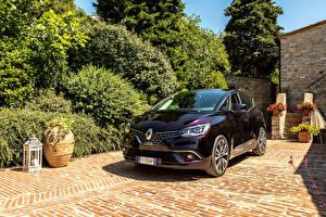 Фотография Renault Бордовая Металлик 2017-19 Scenic Initiale Paris Worldwide машины