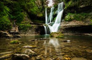 Обои Испания Водопады Камни Скала Мох El Sallent Catalonia