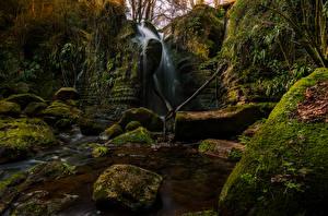Фото Испания Водопады Камни Скалы Мох El Sallent Catalonia Природа