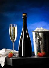 Обои Клубника Шампанское Ведро Бутылки Бокал Лед Еда