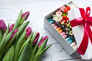 Картинка Тюльпаны Макарон Бантики Коробка цветок