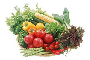 Фотографии Овощи Кукуруза Помидоры Перец Острый перец чили Белым фоном