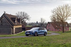Фотографии Volvo Голубые Универсал 018-19 V60 D4 R-Design Автомобили