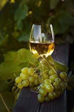 Картинка Вино Виноград Бокалы Продукты питания