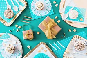 Фото День рождения Капкейк кекс Подарки Бантик Продукты питания