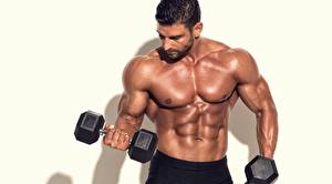 Картинки Бодибилдинг Мужчины Мускулы Живот Руки Гантеля спортивный