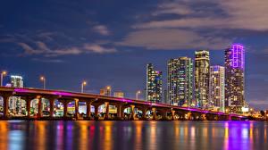 Обои Мост Дома Небоскребы Америка Ночью Майами Залив Biscayne Bay Города