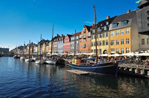 Картинки Дания Здания Пирсы Парусные Речные суда Копенгаген город
