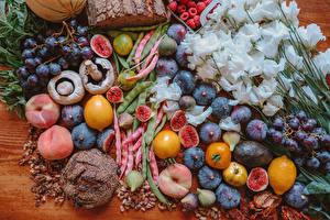 Картинка Лизантус Грибы Фрукты Персики Виноград Лимоны Инжир Хлеб Цветы