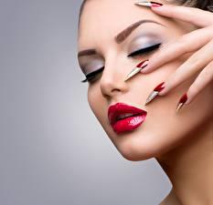 Фотографии Пальцы Макияж Маникюра Лица Красными губами девушка