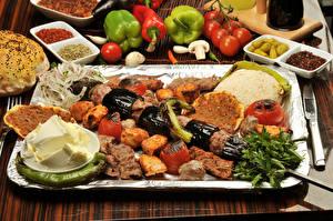 Обои Мясные продукты Шашлык Перец овощной Помидоры Приправы Масла Продукты питания