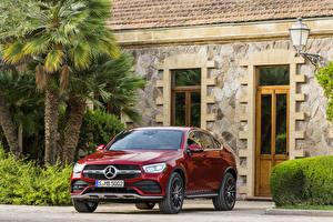 Фотография Mercedes-Benz Красный 2019 GLC 300 4MATIC AMG Line Coupé Worldwide Автомобили