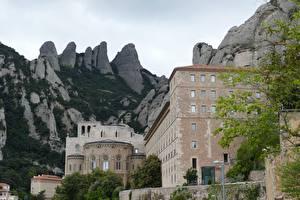 Картинки Горы Монастырь Испания Скале Montserrat, Catalonia Города