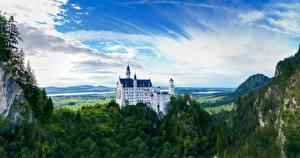 Фотография Нойшванштайн Гора Лес Замки Германия Скалы Бавария