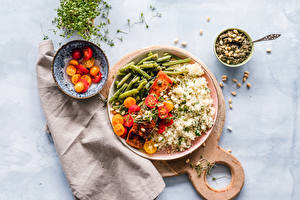 Фотографии Рис Мясные продукты Овощи Томаты Разделочной доске Тарелка Миска