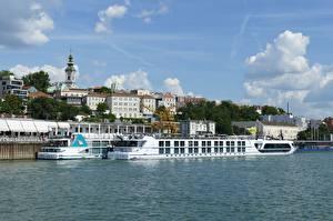 Картинки Река Речные суда Здания Причалы Белград Сербия Danube Города