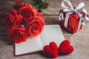 Картинка Роза Красных Подарков Блокнот Сердце Бантики цветок
