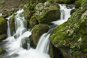 Обои Камень Водопады Мхом Природа