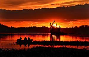 Обои Рассветы и закаты Вечер Рыбалка Лодки Природа