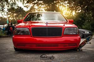 Картинки Стайлинг Мерседес бенц Спереди Красный Фар w140 s320 Автомобили
