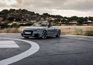 Фотография Audi Серый Кабриолет Quattro RS TT