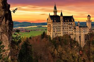 Картинки Осенние Замки Германия Нойшванштайн Скале Бавария Города