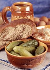 Картинки Хлеб Огурцы Миска Продукты питания