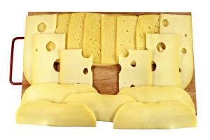 Фото Сыры Белый фон Разделочной доске Нарезанные продукты Пища