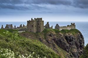 Картинки Побережье Шотландия Замки Руины Утес Траве Dunnottar Castle Природа