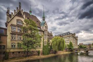 Картинки Франция Страсбург Дома Реки Мосты Деревья город