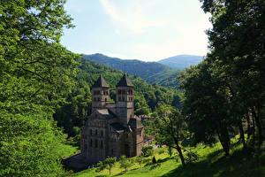 Картинки Франция Храм Монастырь Леса Murbach Abbey город