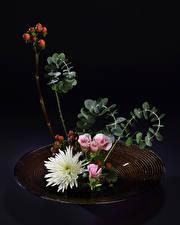 Картинка Икебана Хризантемы Эустома Ветки Цветы