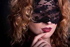 Картинка Маски Пальцы Лица Красные губы Волосы Рыжие