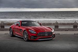 Фото Mercedes-Benz Красная 2020 AMG GT C Автомобили