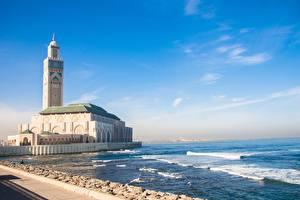 Обои для рабочего стола Марокко Мечеть Берег Океан Башни Casablanca, Mesquita de Hassan II Города