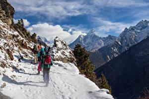 Фото Горы Альпинизм Скала Снегу Тропа Альпинисты Himalayas, Nepal Природа